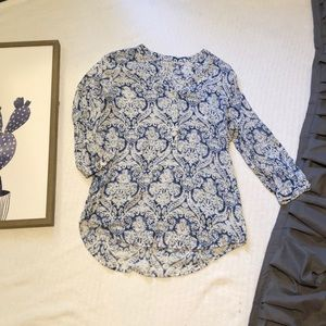 Blue and white 3/4 length blouse